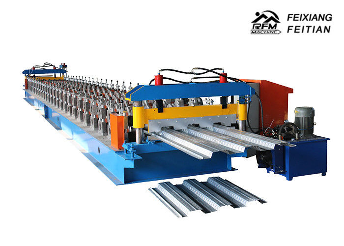 Automatic Steel Profile Roll Forming Machine , Easy Operate Metal Roof Panel Machine
